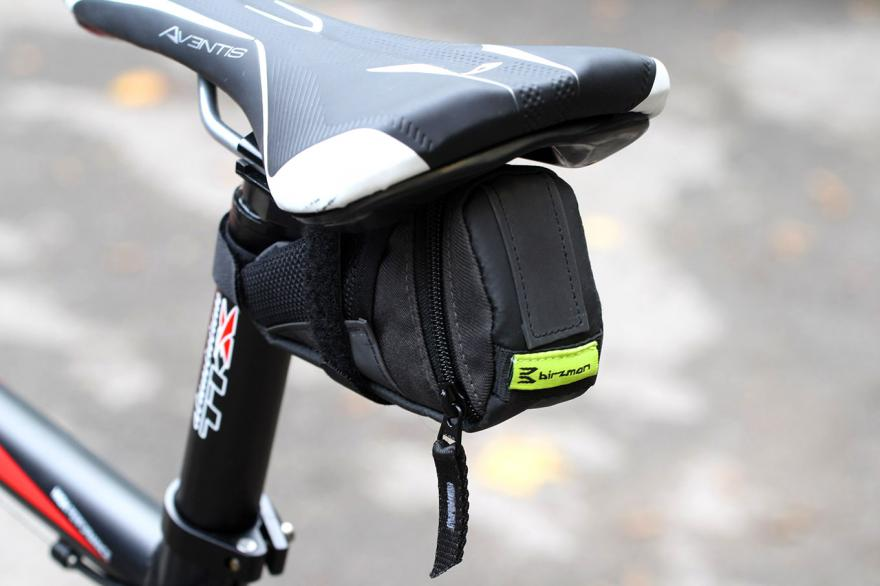 TOPEAK Aero Wedge Bicycle Seat Bag Overview - YouTube