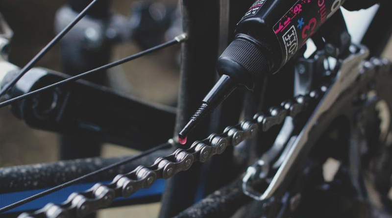 How to Clean and Lube Your Bike Drive Chain